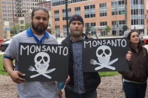 Nebraska Farmers Stricken With Non-Hodgkin's Lymphoma File Lawsuit Against Monsanto For Lack Of Labeling On Roundup